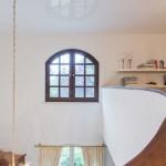 Spanndecke in exklusiver Wohnlandschaft auf zwei Ebenen