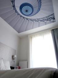 Decke verschönern mit Fotospanndecke