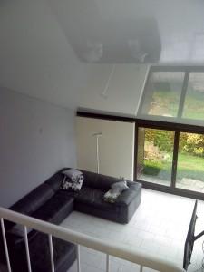 Zimmerdecke renovieren Bonn –Lackdecke in offener Dachschräge